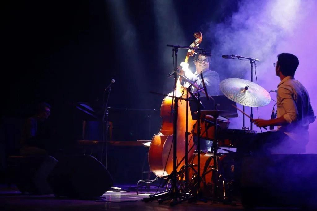 Gastón Joya y Marcos Morales en la sala Covarrubías del Teatro Nacional de Cuba, en el Festival Jazz Plaza 2019. Foto: Gabriel Guerra Bianchini.