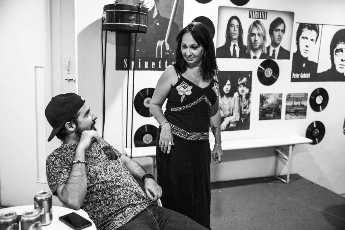 El baterista Oliver Valdés y la productora Tania Menéndez. Foto: Larisa López.