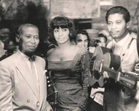 De izquiera a derecha: Lorenzo, Caridad y Reinaldo Hierrezuelo. Foto: Humo Graphic.