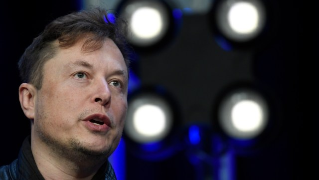 Elon Musk anunció que los vehículos Tesla ahora podrán comprarse con bitcoin