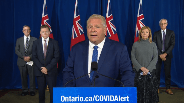 Ontario aprueba un proyecto de ley de gastos electorales sin cláusula de excepción.