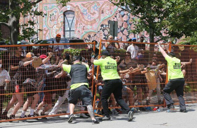 Enfrentamientos violentos al desalojar a personas sin hogar en el campamento del Estadio Lamport deja 26 detenidos