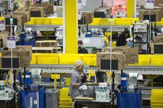Amazon Canadá contratará a 15.000 trabajadores y aumentará el salario