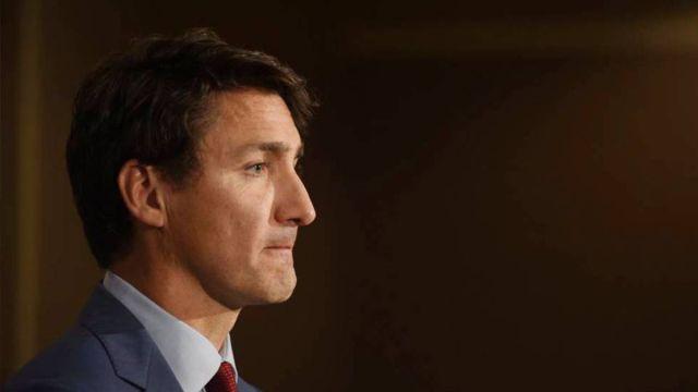 Trudeau anunció la vacunación obligatoria para trabajadores federales y empleados del transporte regulados por el gobierno