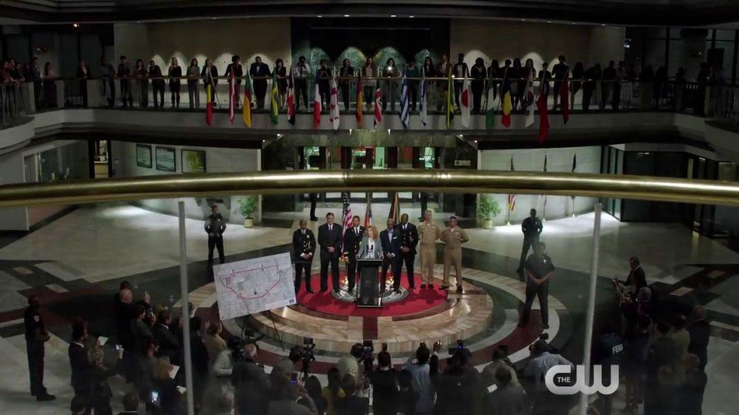 © CW | Desde aquí lanzo el mensaje de lo importante que es que todos rememos en el mismo...y bla, bla, bla, bla, bla, bla...