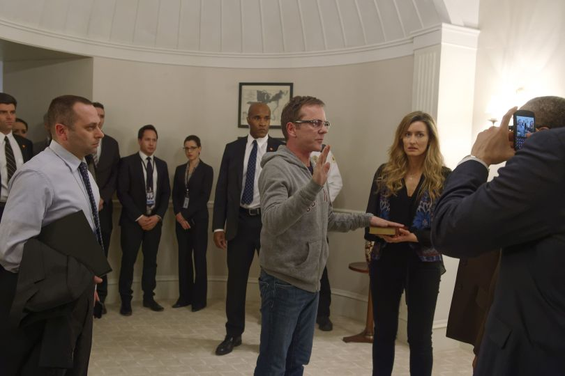 """DESIGNATED SURVIVOR - """"Pilot"""" - Kiefer Sutherland stars as Tom Kirkman, a lower-level cabinet member who is suddenly appointed President of the United States after a catastrophic attack on the U.S. Capitol during the State of the Union, on the highly anticipated ABC series """"Designated Survivor,"""" airing WEDNESDAY, SEPTEMBER 21 (10:00-11:00 p.m. EDT). (ABC/Ben Mark Holzberg) LAMONICA GARRETT, KIEFER SUTHERLAND, NATASCHA MCELHONE"""
