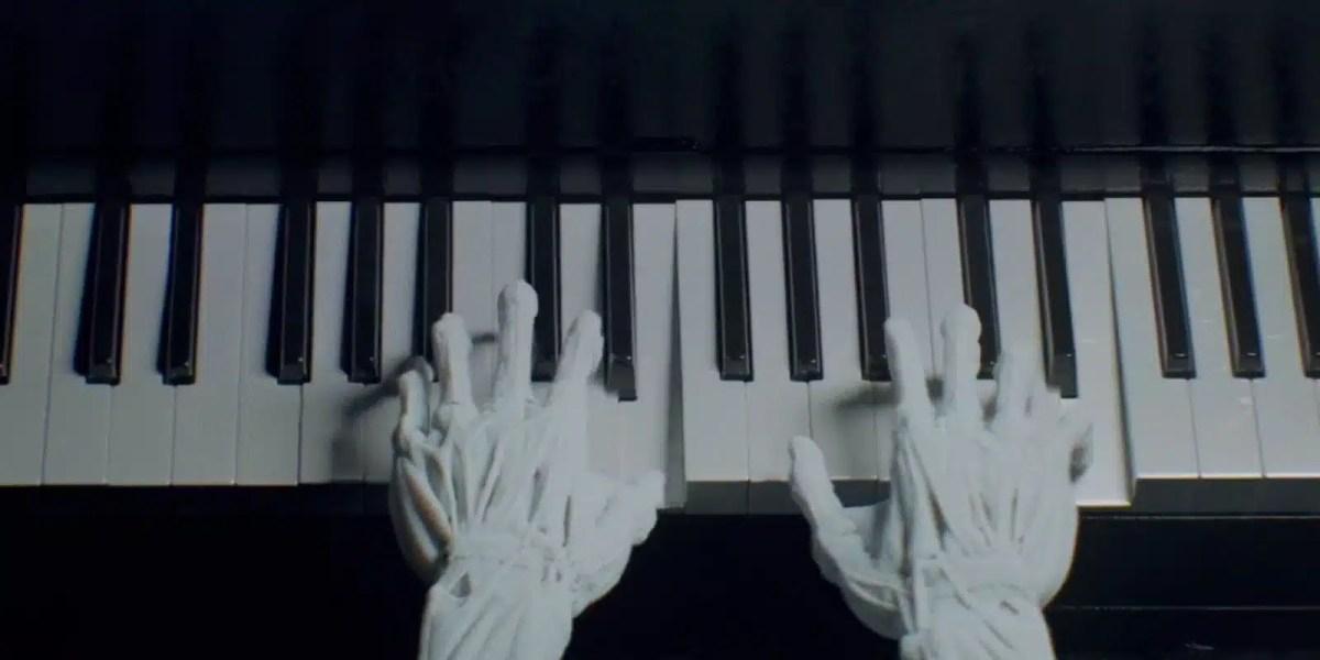 ¿Por qué se escuchan canciones modernas en la serie 'Westworld'?