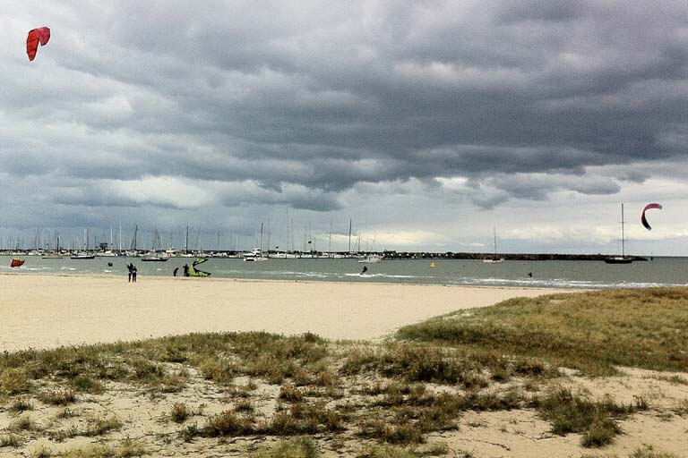 House Sitting in Australia - Kite surfers on a Melbourne beach