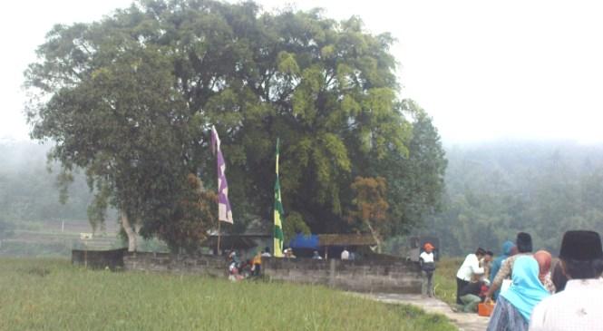 Wisata Religi Makam Kyai Tuk Sanga