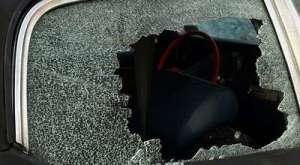 illustrasi pencurian pecah kaca mobil magelang