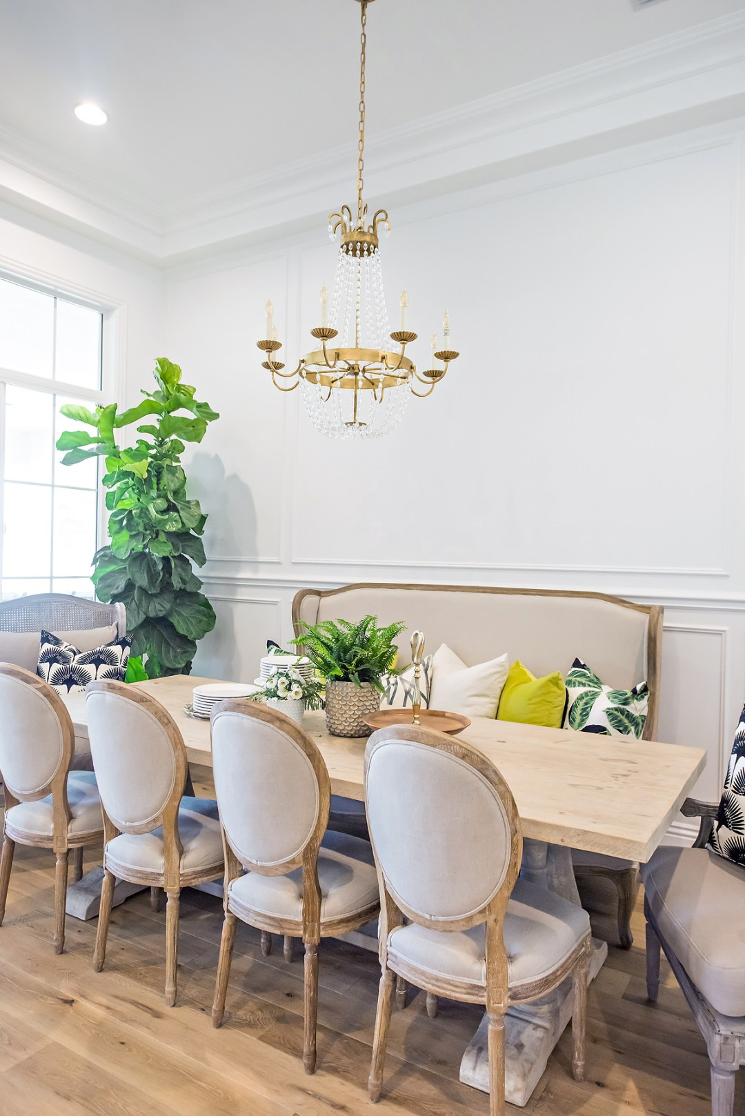 maggie-holmes-dining-room-makeover-with-color-14