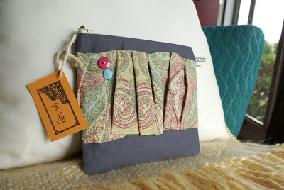 {zipped pouch giveaway}