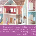 {have you seen a more darling dollhouse?!}