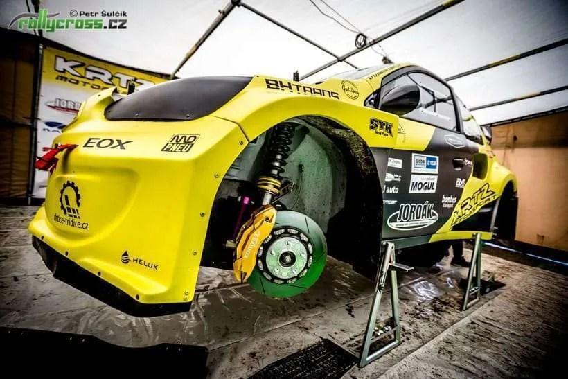 Marek Joura ha presentato la nuova auto