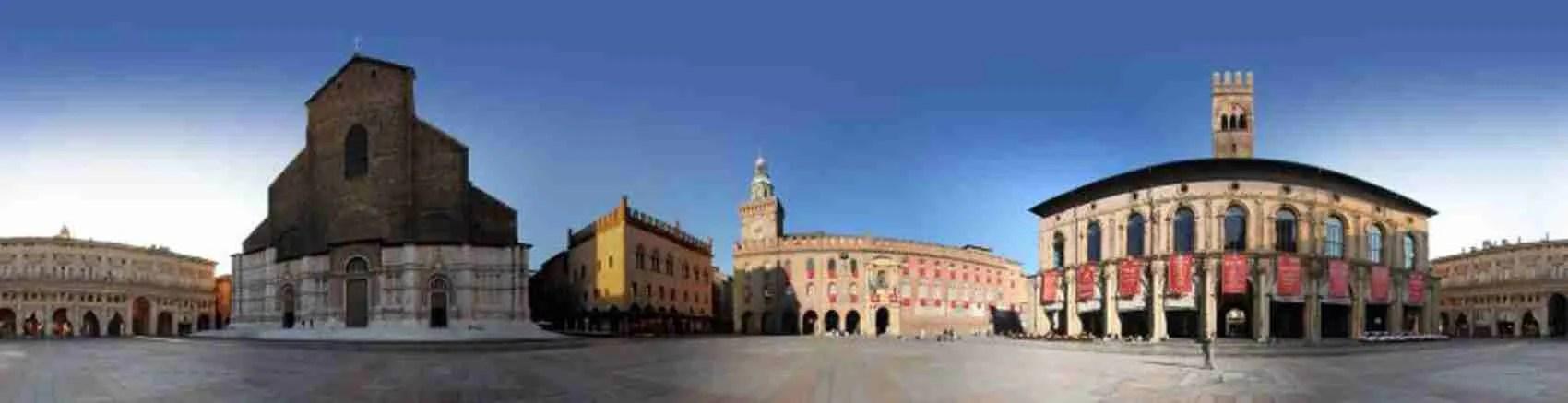 Piazza Maggiore a Bologna è un luogo magico dove passeggiare in compagnia di una escort che soggiorna in città.