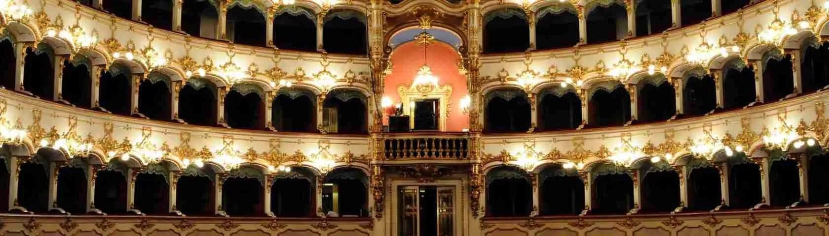 Una serata di prosa al Teatro Municipale di Piacenza è una occasione perfetta da condividere con una escort Piacenza. Magica Escort