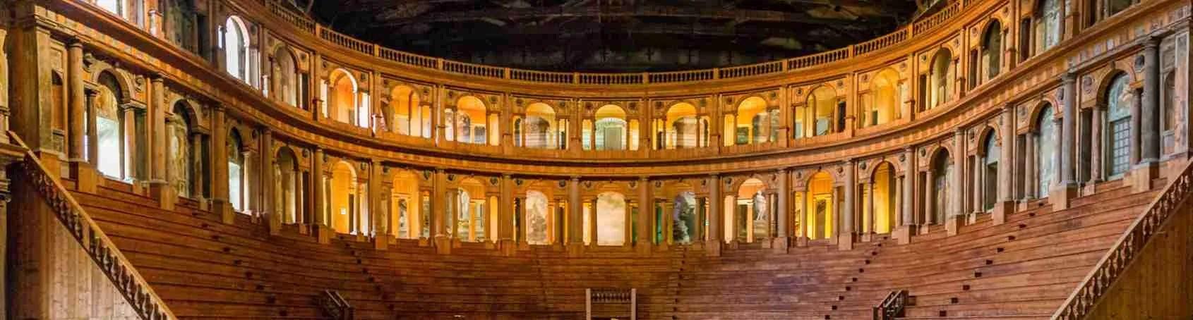 Il Teatro Farnese di Parma rappresenta l'eccellenza musicale parmense dove trascorrere una serata speciale in compagnia di una escort Parma. Magica Escort