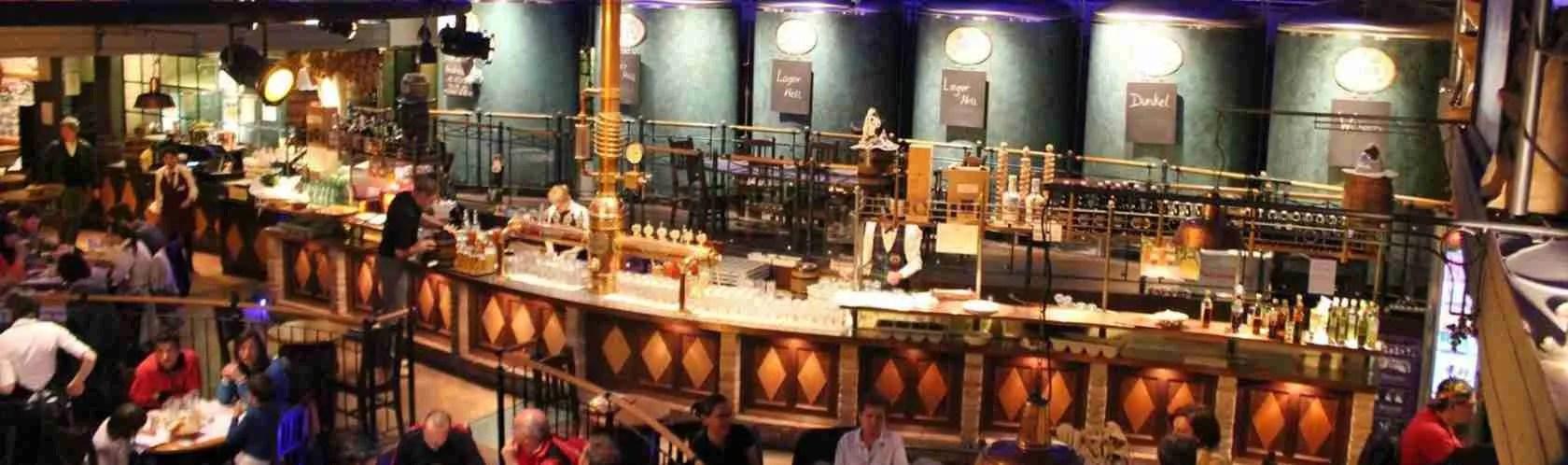 Una cena con una escort Trento presso la Antica Birreria Pedavena, a base di piatti tipici trentini e birra artigianale.
