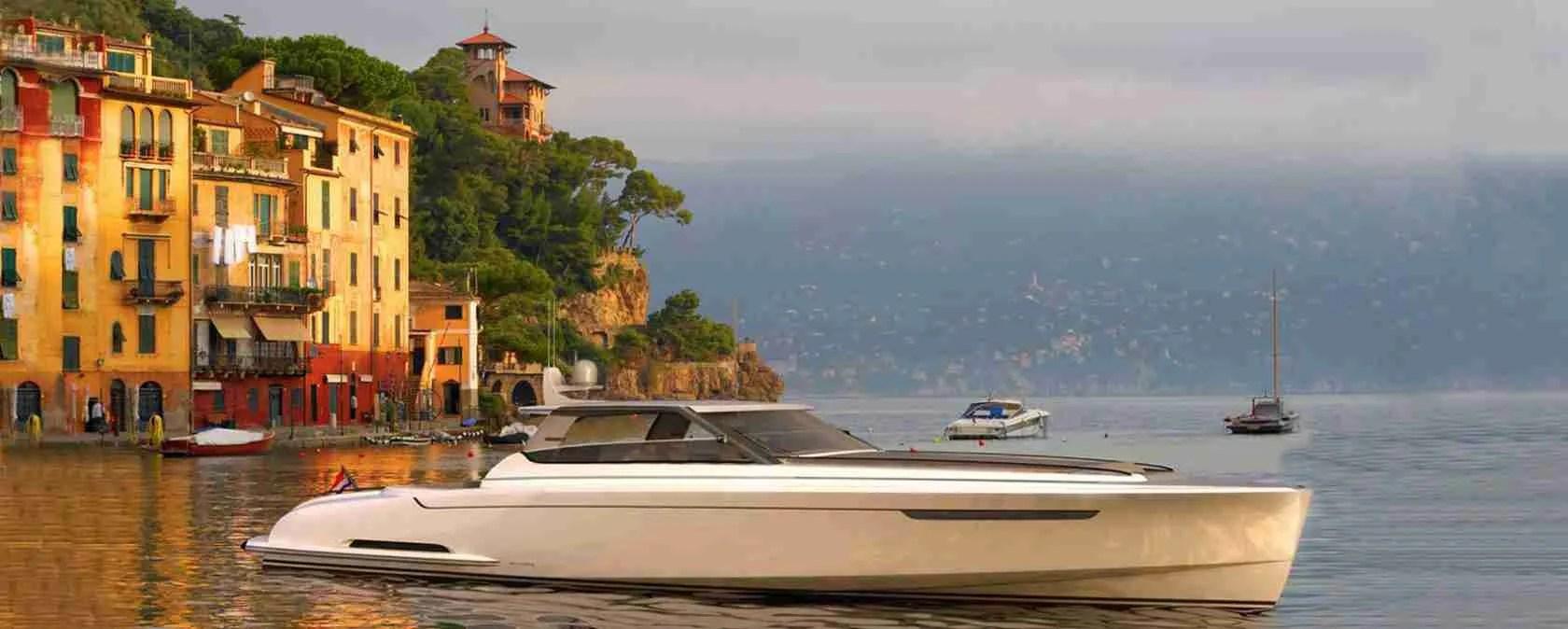 Le escort Lecco sognano un week end di passione a Bellagio, a bordo di un fantastico yacht.