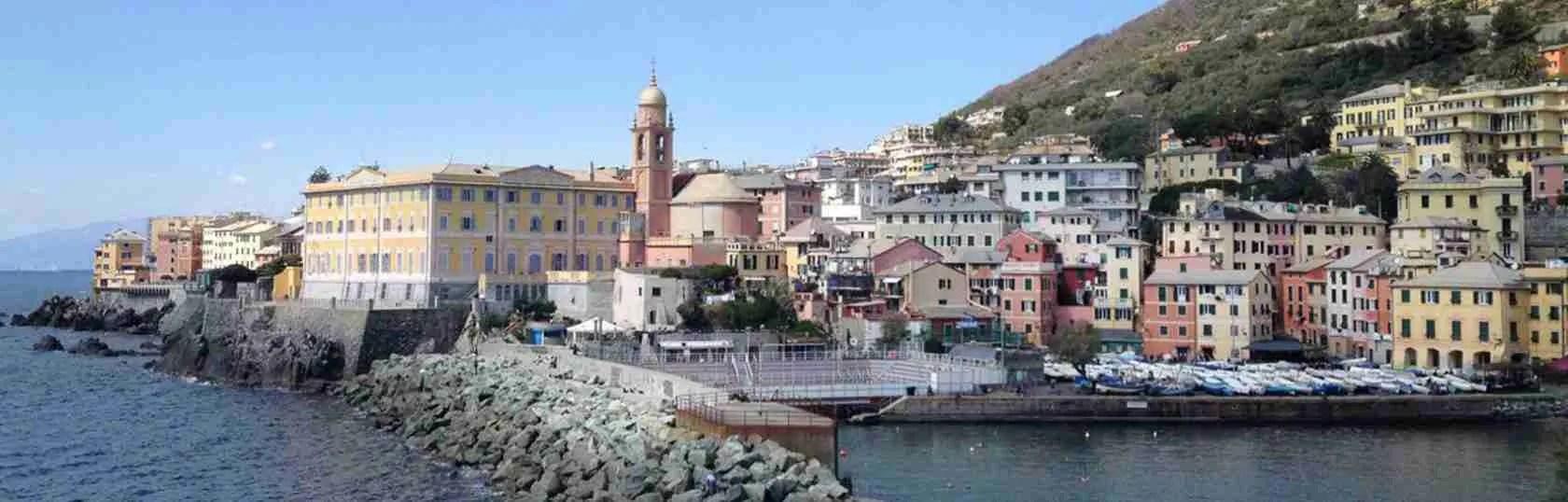 Molte escort Genova scelgono di abitare in zona Genova Nervi.