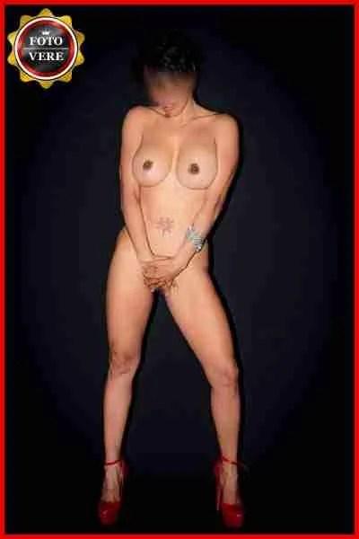 Verenice escort Verona è bellissima e completamente nuda in questa foto di anteprima. Magica Escort