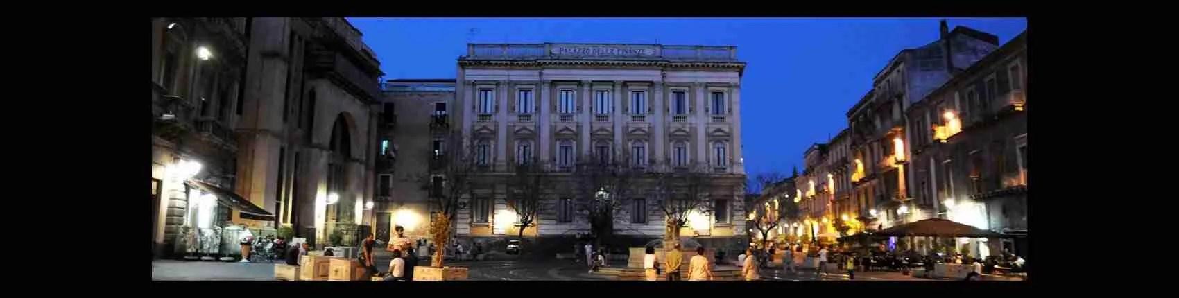 Le top class escort Catania scelgono un appartamento in Piazza Bellini per i loro incontri di alto livello. Magica Escort