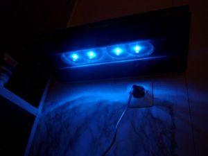 Blog de magicmanu :Aménagement de notre maison, Etagère en carrelage à LED