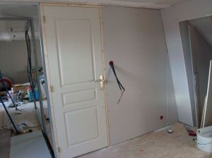 Blog de magicmanu :Aménagement de notre maison, Recouper une porte postformée en hauteur