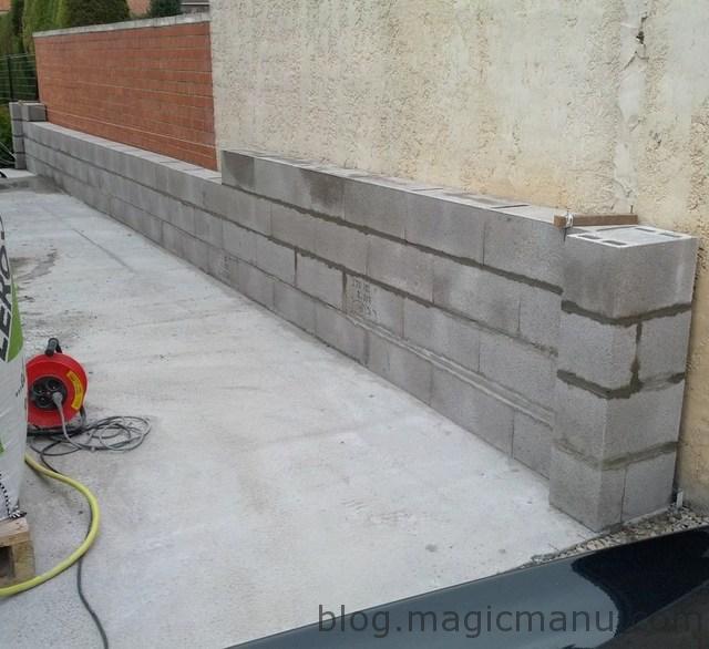 Garage : les murs en parpaing