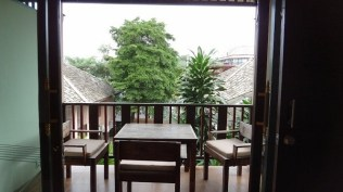 Meewaya Chaweng House - The balcony in the Pool View Rooms