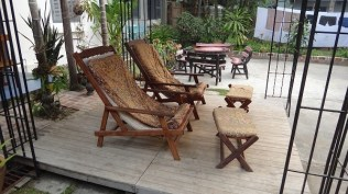 Villa Suan Maak - Comfy Chairs To Enjoy The Lao Afternoon