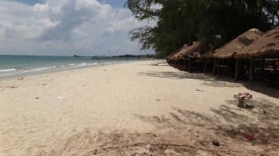 Hawaii Beach, Sihanoukville - Beaches and Huts