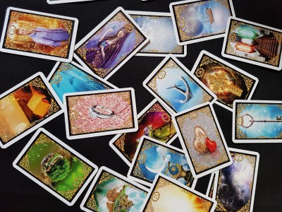 Outils de divination 6 jeux de cartes Oracle préférés