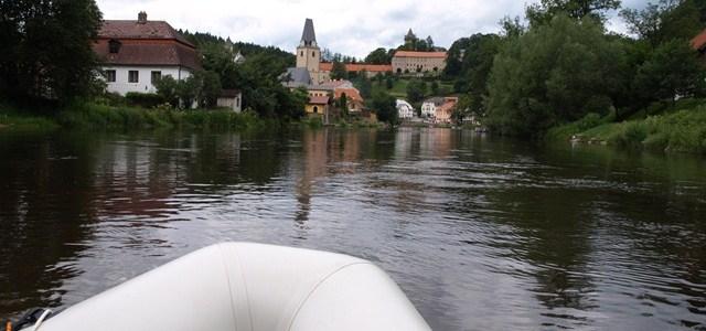 LAST MINUTE: gesucht sind Schlauchbootfahrer, Naturliebhaber und Genussmenschen zum Sommerausklang und gemeinsamen Moldau Erlebnis