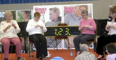 Concorso di speed knitting