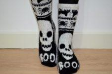 Halloween Skull Socks di Fir Tree Knitwear
