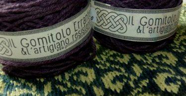 Scaldacollo e lana Il Gomitolo Errante & L'Artigiano Resistente