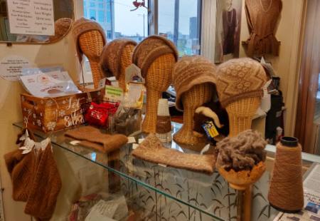 Collezione di berretti in quiviut e seta