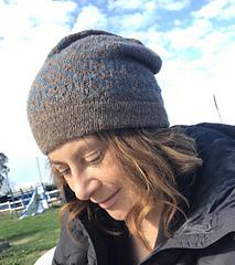 cappello maglia cuori san valentino