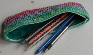 astuccio porta penne uncinetti contro noia quarantena