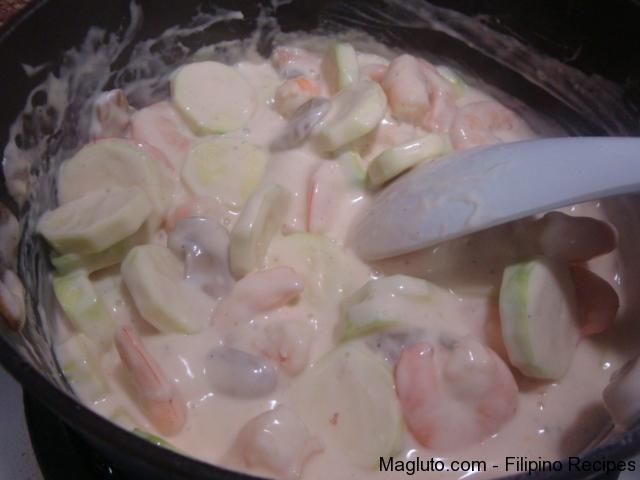 Bell Shrimp Pepper Alfredo Red Fettuccine Recipe
