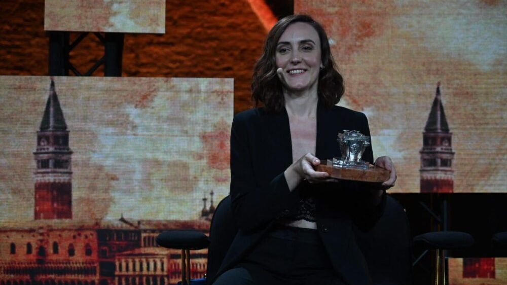 Giulia Caminito, autrice del romanzo vincitore del Premio Campiello 2021. Fonte: corrieredelveneto.corriere.it