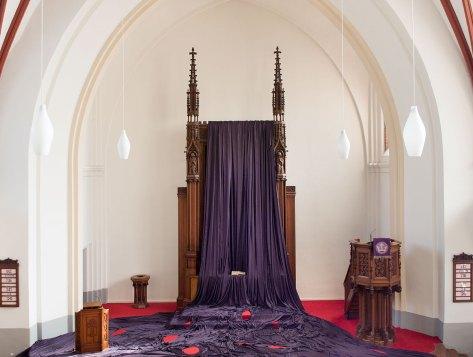 Katharina Grosse, Gebete erfinden, 2014, Altarbildverhüllung in der Paul-Gerhardt-Kirche, Berlin - Prenzlauer Berg