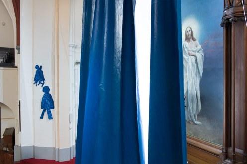 Ursula Sax, Fastentuch, 2019, Paul-Gerhardt-Kirche, Berlin-Prenzlauer Berg