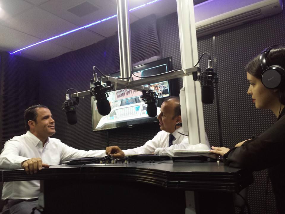 En vivo por noticieros 7 radio por Magnética 107.1FM el Doctor Ricardo Villarreal. Presidente del colegio fundación médica soy 17.