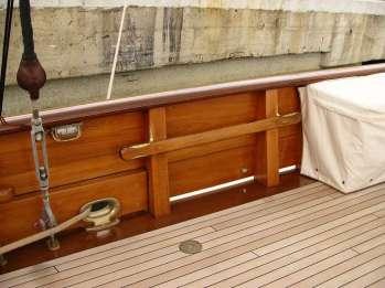Come restaurare una barca a vela d'epoca