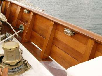 Restauro rifiniture barca a vela