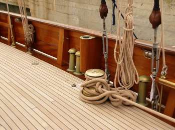 Restauro imbarcazione d'poca