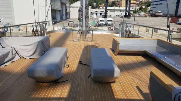Coperte in teak per yacht