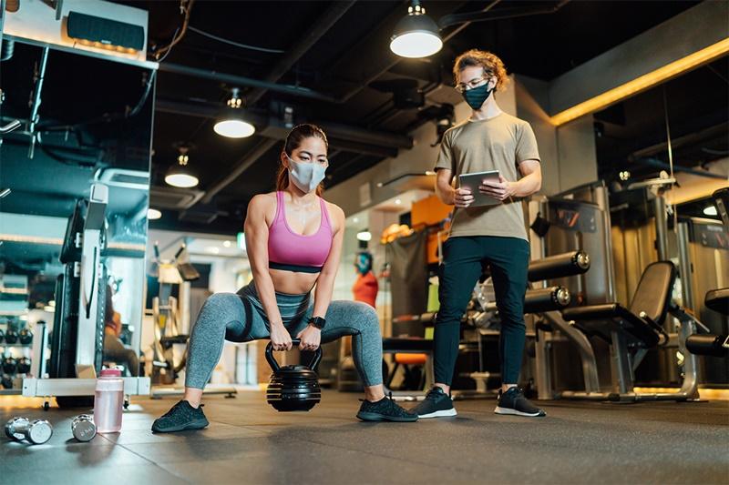 Treinando em um stúdio de personal trainer - Magnus Personal Trainer